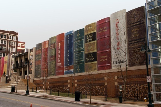 Façana de la biblioteca pública de Kansas